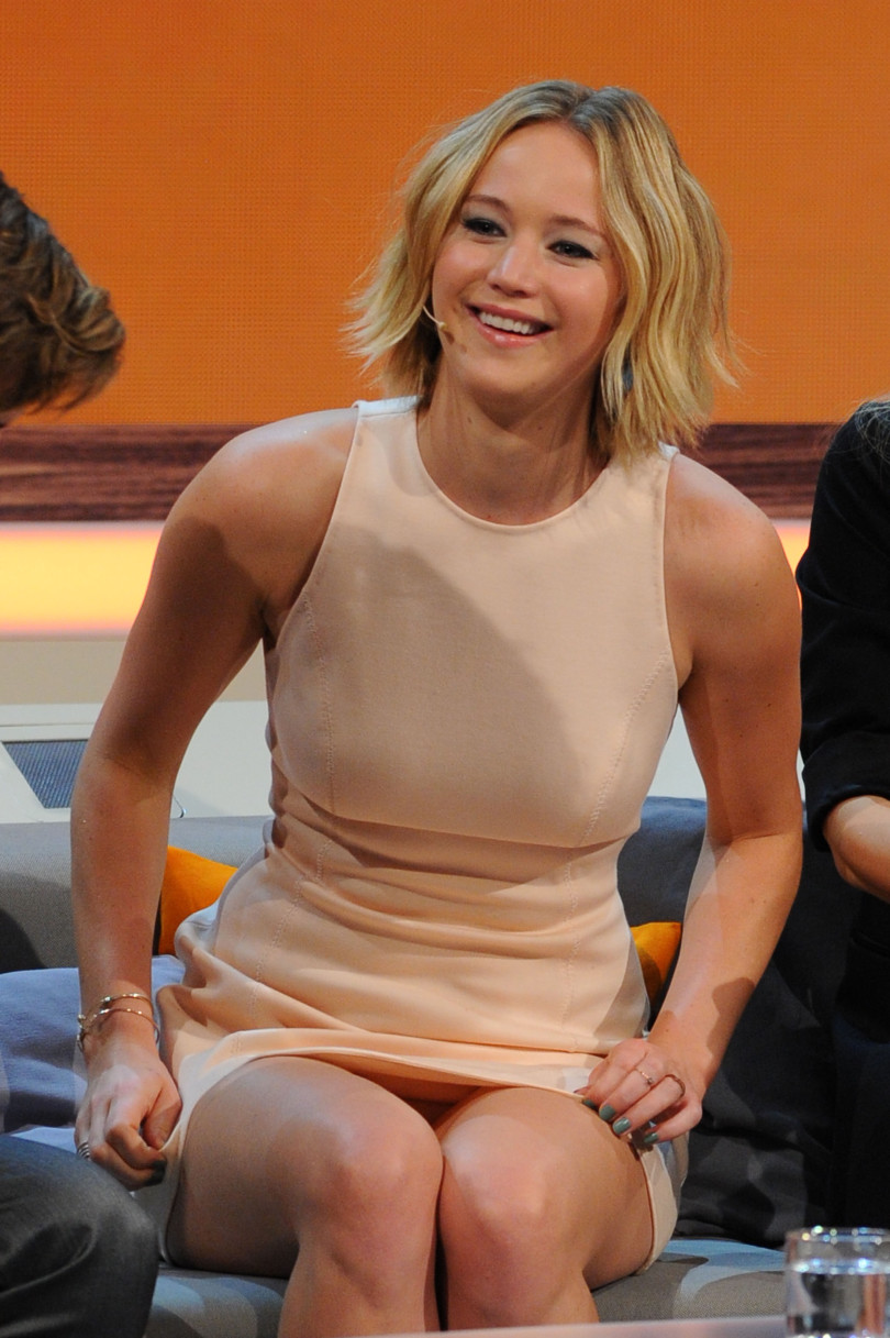 Celebrity upskirts, Jennifer Lawrence